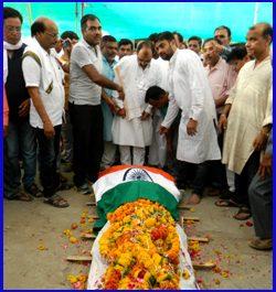 हिन्दू धर्म में अंतिम संस्कार के बाद नहाना क्यों जरुरी है?