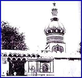 सिर्फ 250 रूपए में बिका था ऐतिहासिक मठ मंदिर . . .